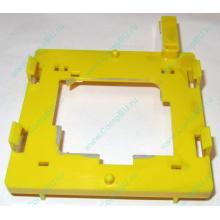 Жёлтый держатель-фиксатор HP 279681-001 для крепления CPU socket 604 к радиатору (Муром)